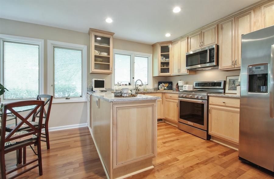 Real Estate Photography - 1403 Estate Lane, Glenview, IL, 60025 - Kitchen