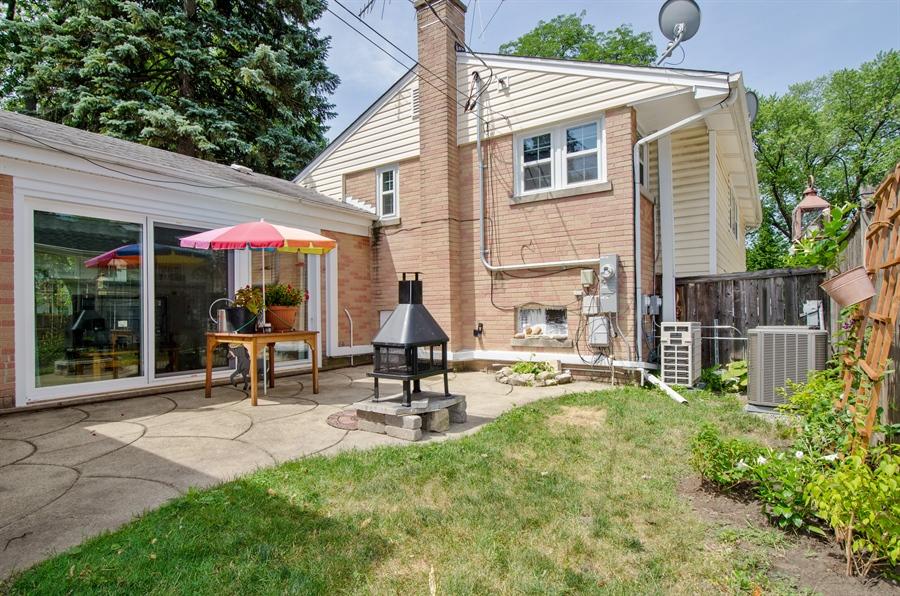 Real Estate Photography - 1701 S Greenwood, Park Ridge, IL, 60068 - Back Yard