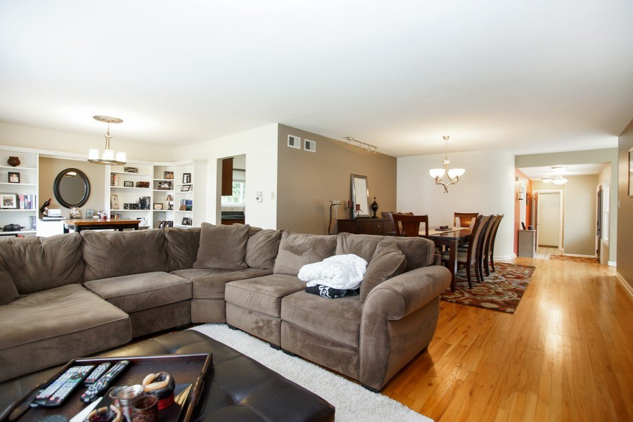 Real Estate Photography - 2 Black Twig Rd, Rolling Meadows, IL, 60008 - Living Room