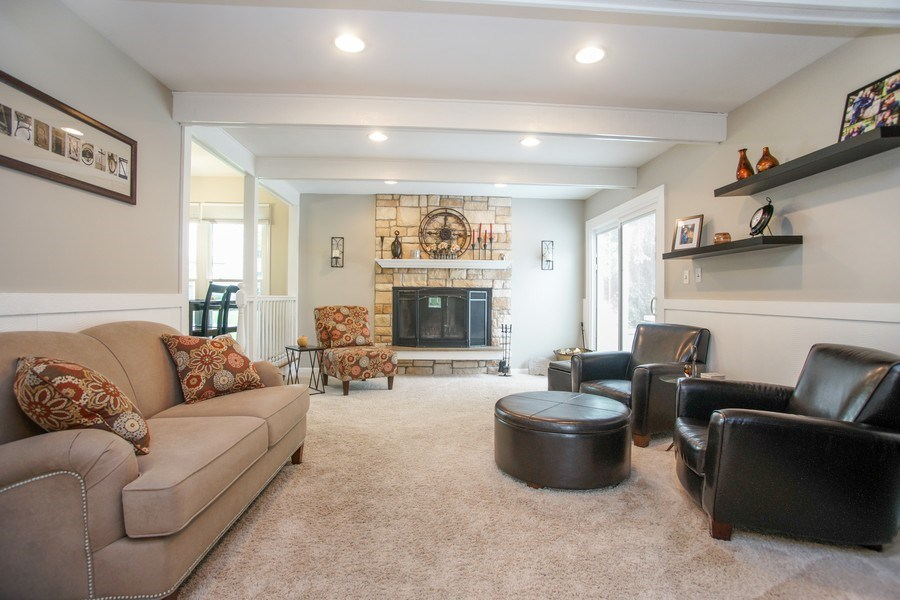 Real Estate Photography - 2 Black Twig Rd, Rolling Meadows, IL, 60008 - Family Room