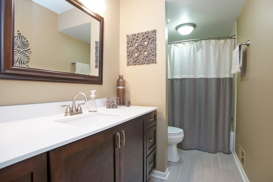 Real Estate Photography - 2 Black Twig Rd, Rolling Meadows, IL, 60008 - Bathroom