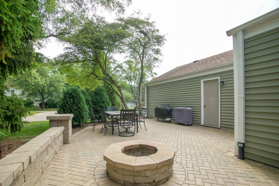 Real Estate Photography - 2 Black Twig Rd, Rolling Meadows, IL, 60008 - Patio