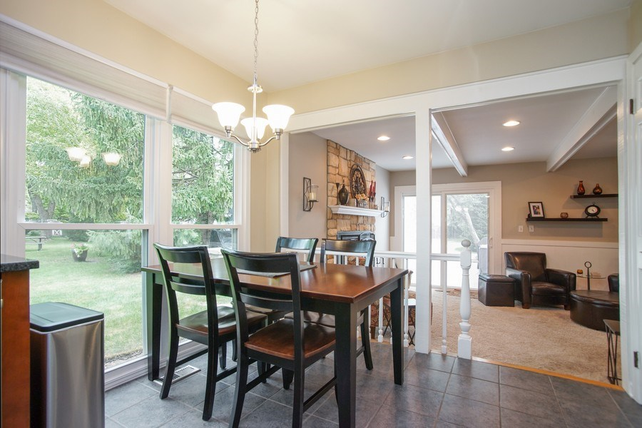 Real Estate Photography - 2 Black Twig Rd, Rolling Meadows, IL, 60008 - Kitchen / Living Room