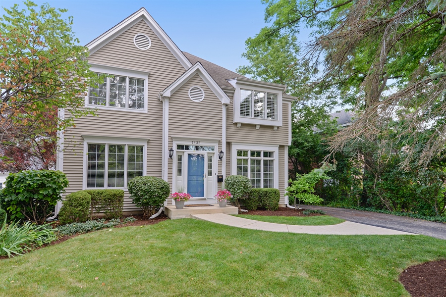 Real Estate Photography - 1435 N McKinley, Lake Forest, IL, 60045 - Front View