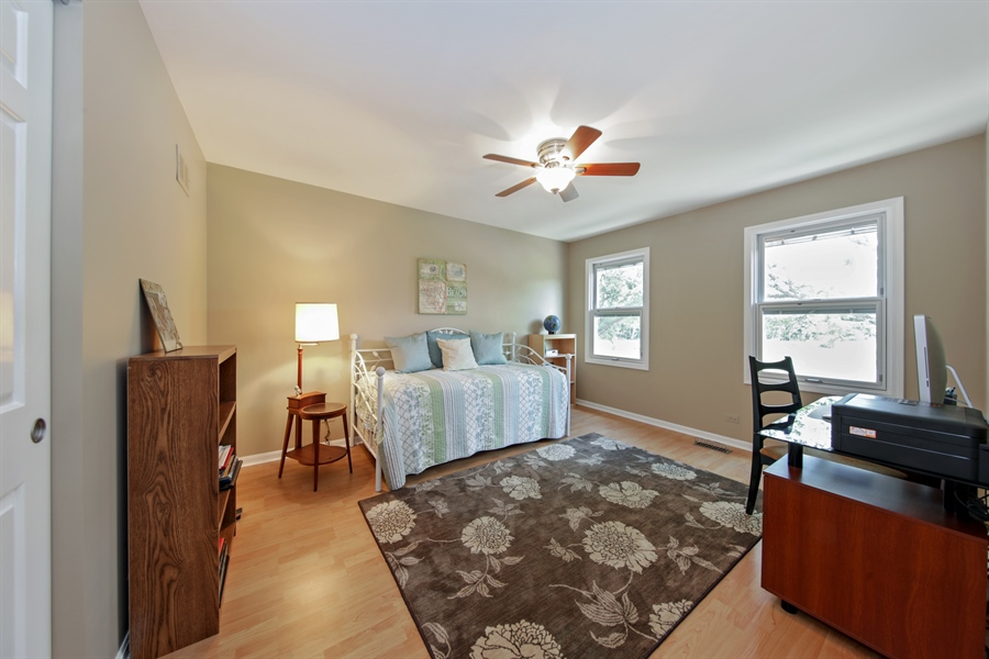 Real Estate Photography - 2810 Mill Creek Ln., Rolling Meadows, IL, 60008 - 2nd Bedroom