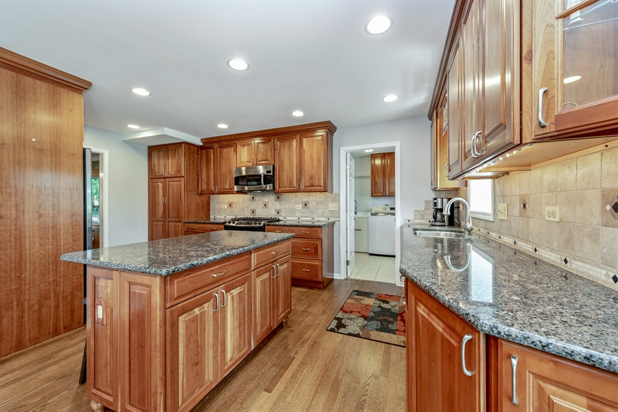 Real Estate Photography - 2810 Mill Creek Ln., Rolling Meadows, IL, 60008 -