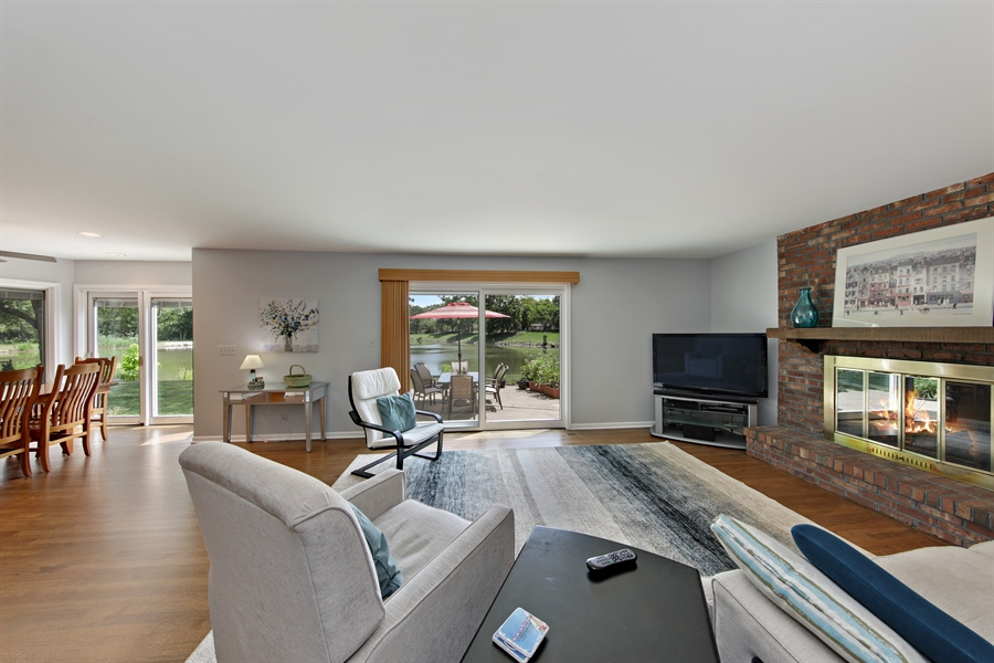 Real Estate Photography - 2810 Mill Creek Ln., Rolling Meadows, IL, 60008 - Family Room