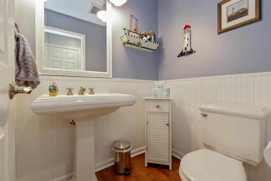 Real Estate Photography - 2810 Mill Creek Ln., Rolling Meadows, IL, 60008 - Half Bath