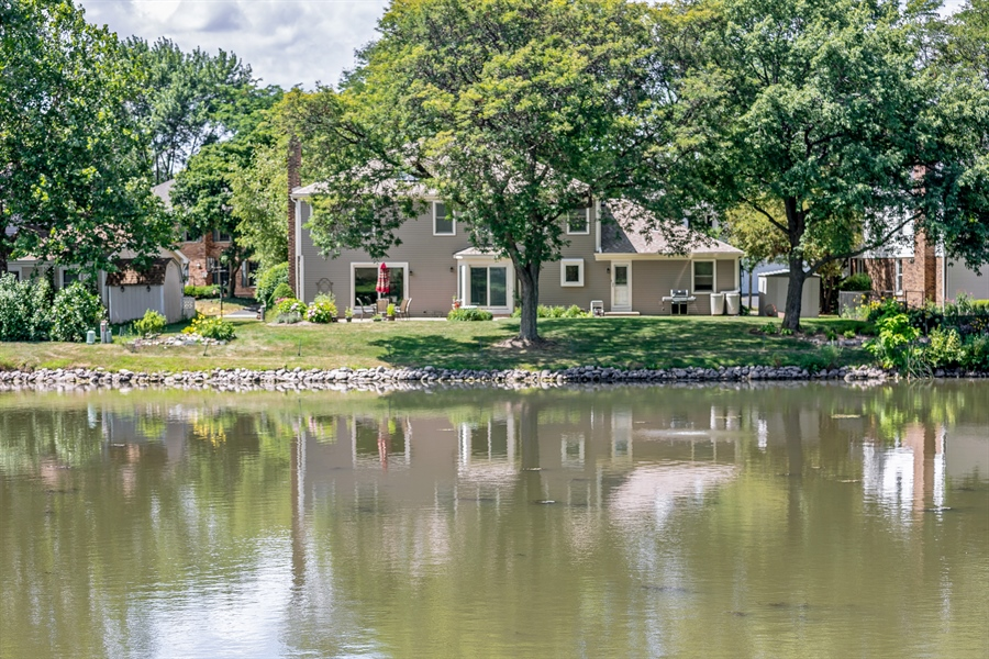 Real Estate Photography - 2810 Mill Creek Ln., Rolling Meadows, IL, 60008 - Lake View