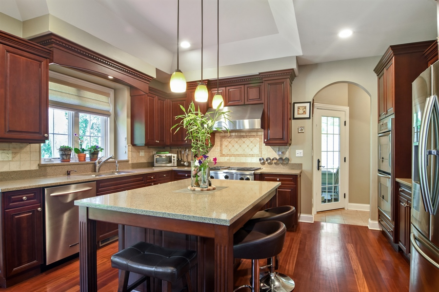 Real Estate Photography - 1561 Pendelton Court, Palatine, IL, 60067 - Kitchen