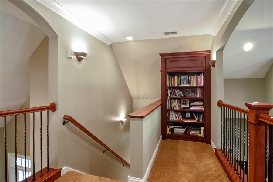 Real Estate Photography - 1561 Pendelton Court, Palatine, IL, 60067 - Hallway