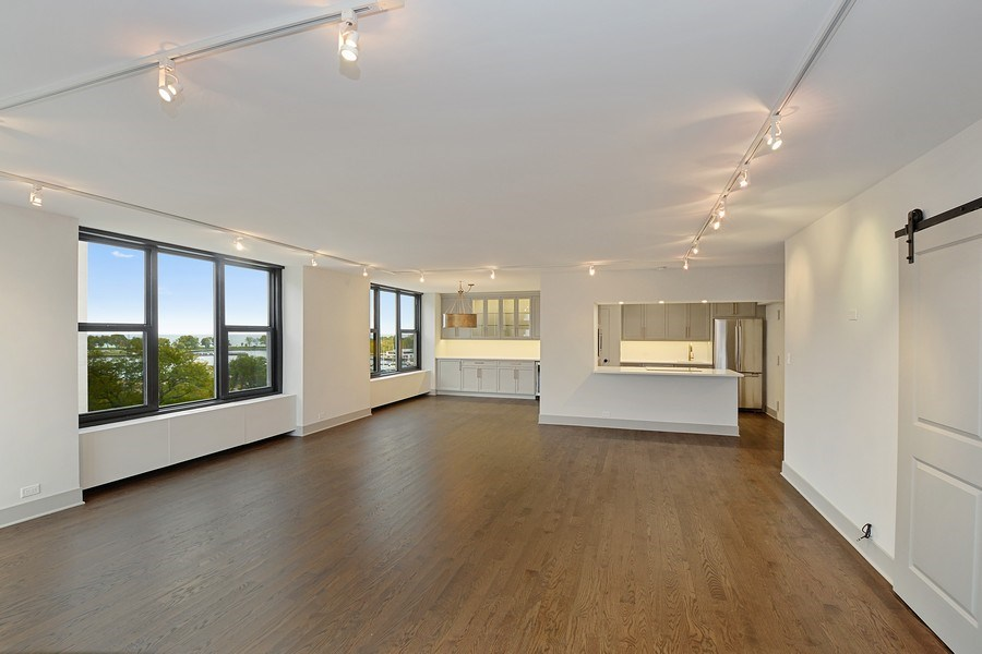 Real Estate Photography - 3150 N Lake Shore Drive, Apt 7F, Chicago, IL, 60657 - Living Room