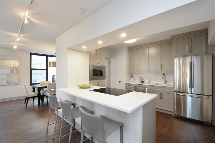 Real Estate Photography - 3150 N Lake Shore Drive, Apt 7F, Chicago, IL, 60657 - Kitchen