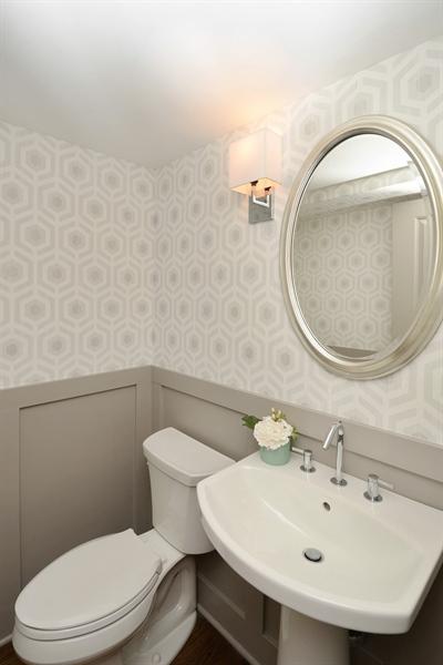 Real Estate Photography - 3150 N Lake Shore Drive, Apt 7F, Chicago, IL, 60657 - Half Bath