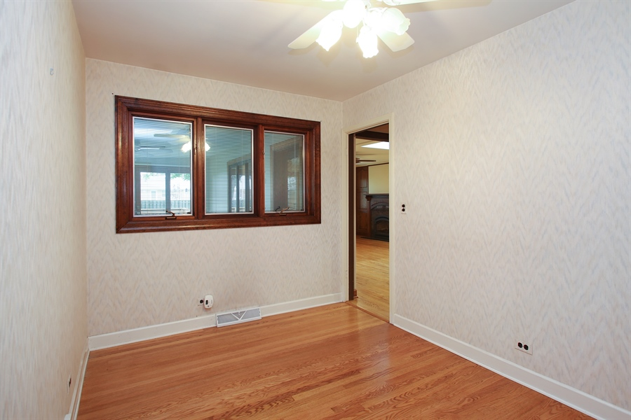 Real Estate Photography - 312 S Patton Ave, Arlington Heights, IL, 60005 - 3rd Bedroom
