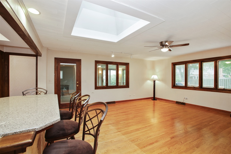 Real Estate Photography - 312 S Patton Ave, Arlington Heights, IL, 60005 - Family Room