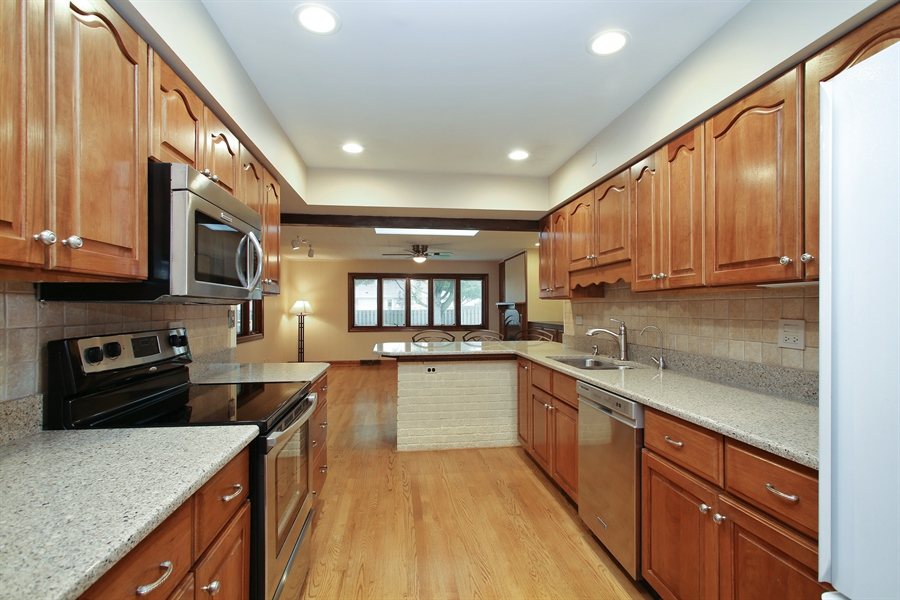 Real Estate Photography - 312 S Patton Ave, Arlington Heights, IL, 60005 - Kitchen