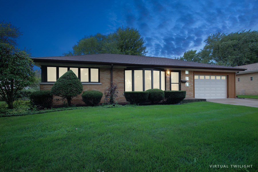 Real Estate Photography - 312 S Patton Ave, Arlington Heights, IL, 60005 - Front View