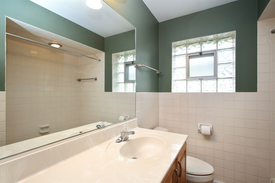 Real Estate Photography - 312 S Patton Ave, Arlington Heights, IL, 60005 - Bathroom
