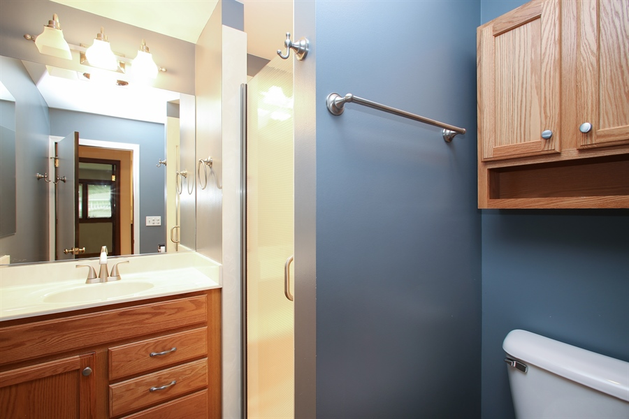 Real Estate Photography - 312 S Patton Ave, Arlington Heights, IL, 60005 - 2nd Bathroom