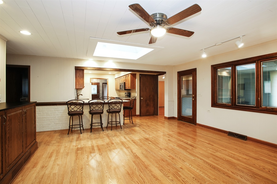 Real Estate Photography - 312 S Patton Ave, Arlington Heights, IL, 60005 - Family Room / Kitchen