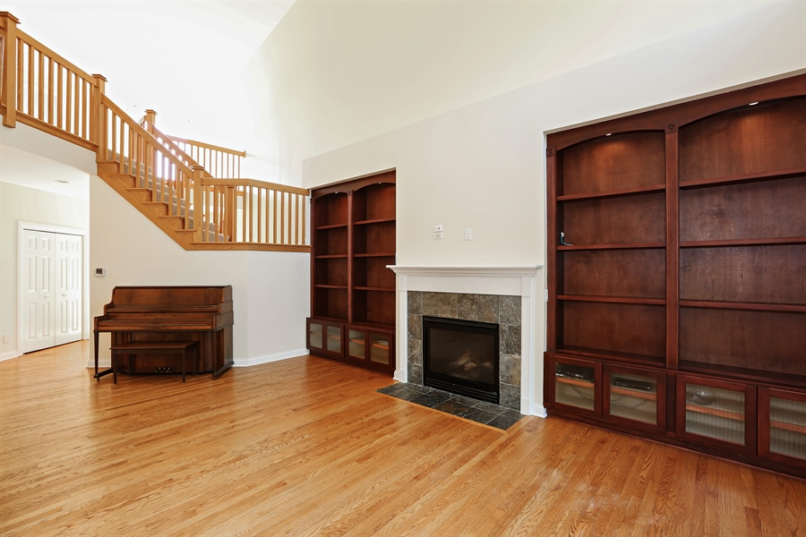 Real Estate Photography - 108 Santa Fe Lane, Willow Springs, IL, 60480 - Living Room (alternate view)