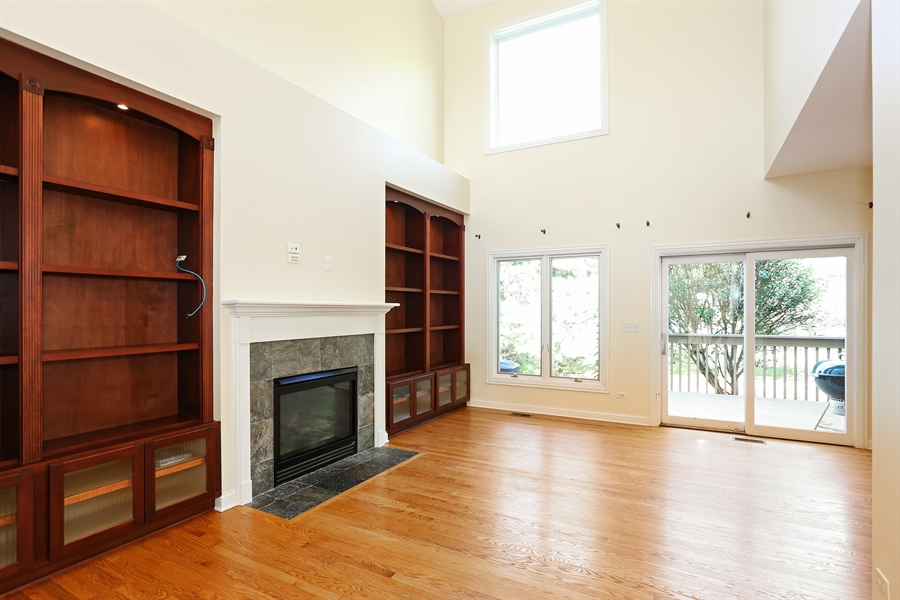 Real Estate Photography - 108 Santa Fe Lane, Willow Springs, IL, 60480 - Living Room