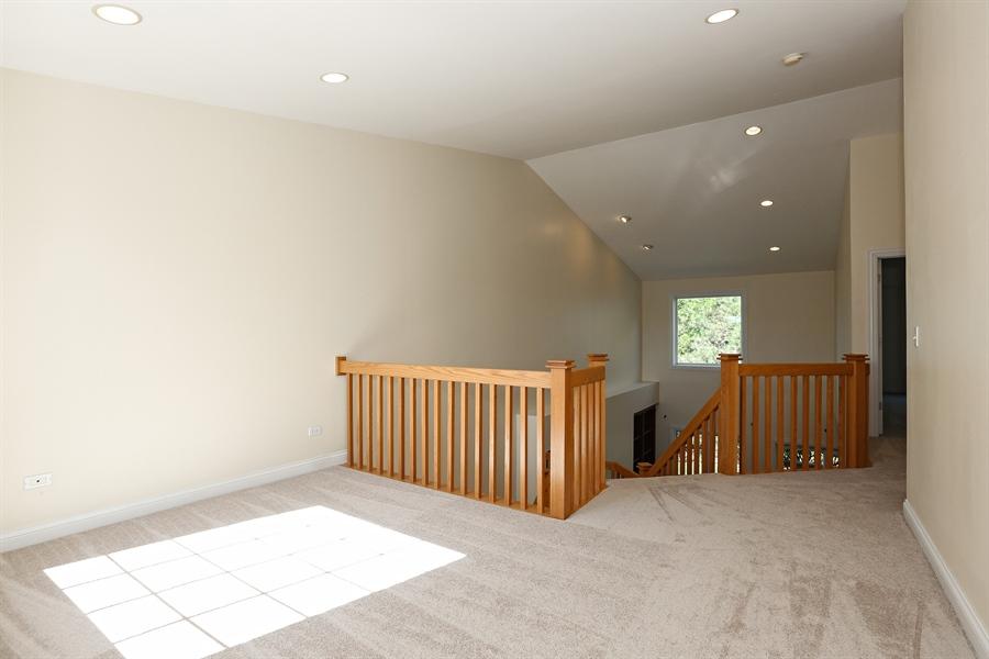 Real Estate Photography - 108 Santa Fe Lane, Willow Springs, IL, 60480 - Loft