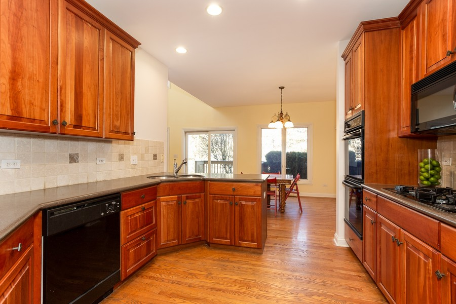 Real Estate Photography - 108 Santa Fe Lane, Willow Springs, IL, 60480 - Kitchen and Breakfast Area