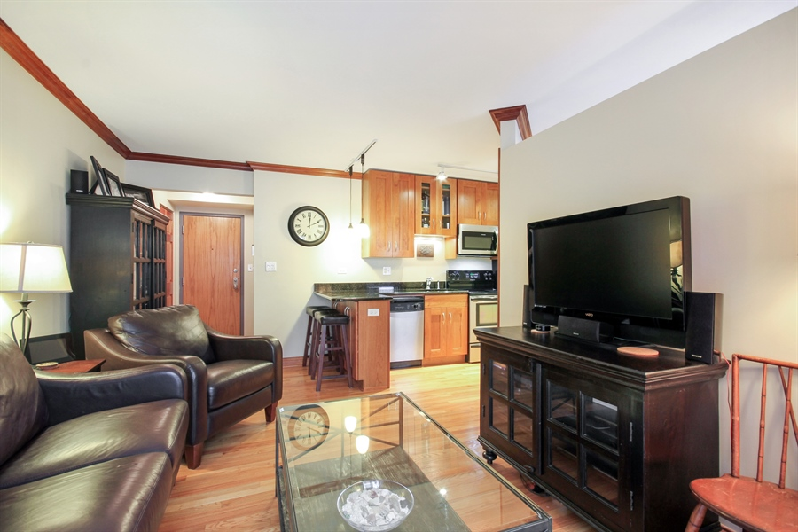 Real Estate Photography - 512 W Barry, Chicago, IL, 60657 - Kitchen / Living Room