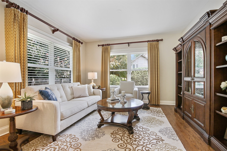 Real Estate Photography - 323 Phillippa St, Hinsdale, IL, 60521 - Living Room