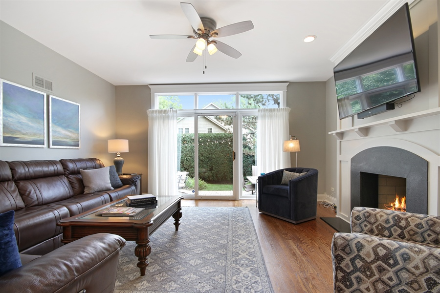 Real Estate Photography - 323 Phillippa St, Hinsdale, IL, 60521 - Family Room