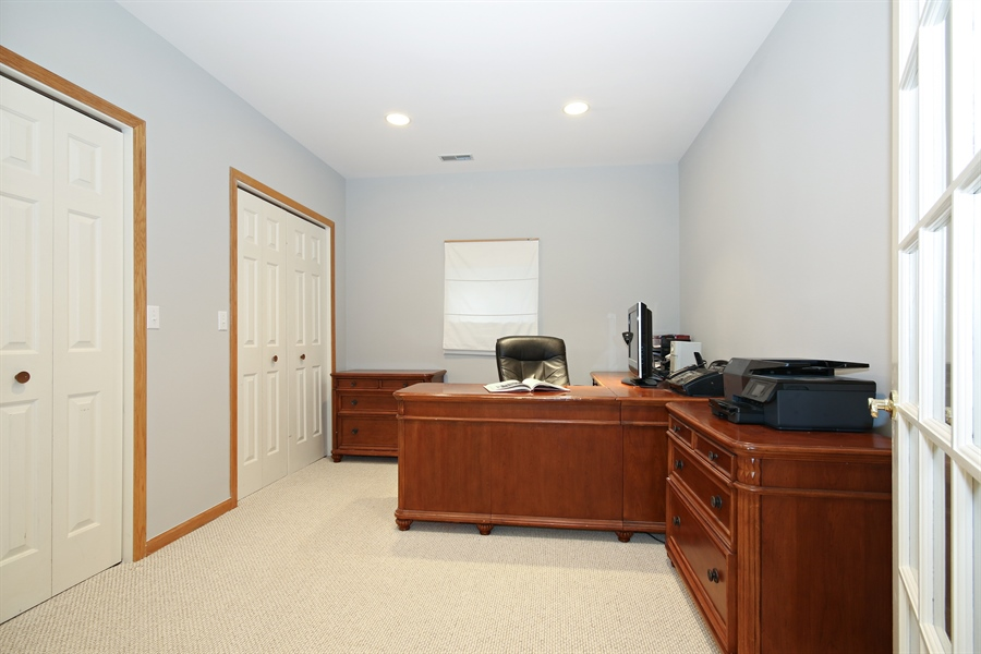 Real Estate Photography - 323 Phillippa St, Hinsdale, IL, 60521 - Office