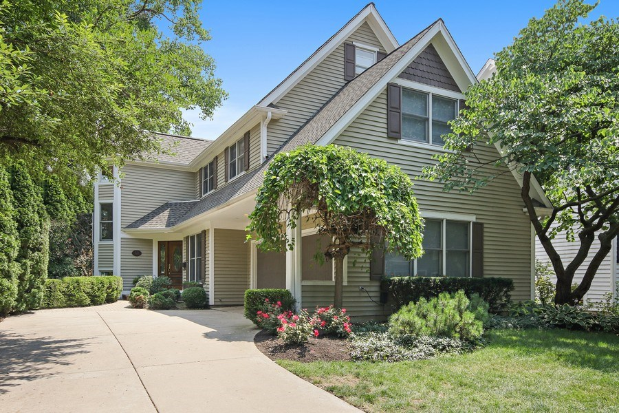 Real Estate Photography - 323 Phillippa St, Hinsdale, IL, 60521 - Front View
