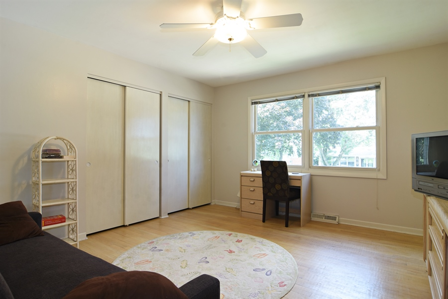 Real Estate Photography - 719 E Ivy Ln, Arlington Heights, IL, 60004 - 2nd Bedroom