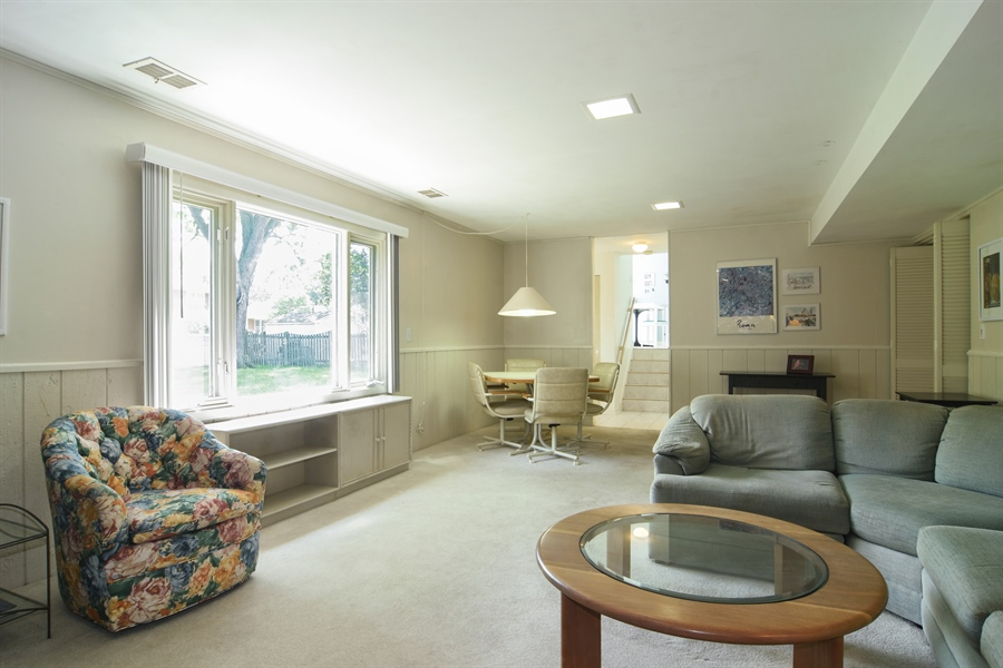 Real Estate Photography - 719 E Ivy Ln, Arlington Heights, IL, 60004 - Family Room