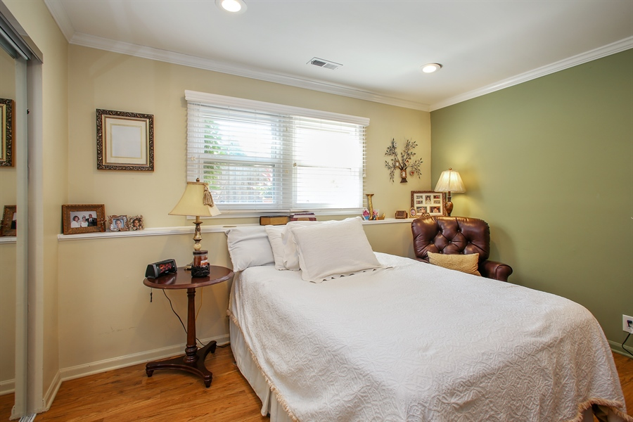 Real Estate Photography - 935 Richmond Ct, Elk Grove Village, IL, 60007 - 3rd Bedroom