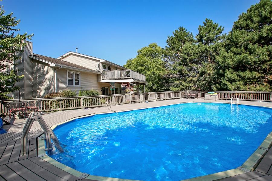 Real Estate Photography - 935 Richmond Ct, Elk Grove Village, IL, 60007 - Pool