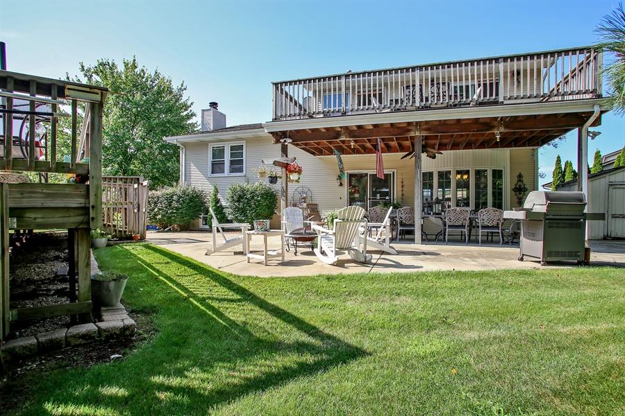 Real Estate Photography - 935 Richmond Ct, Elk Grove Village, IL, 60007 - Rear View