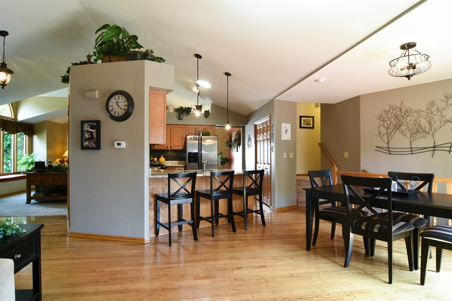 Real Estate Photography - 3614 Killarney Ct, Rolling Meadows, IL, 60008 - Kitchen / Breakfast Room