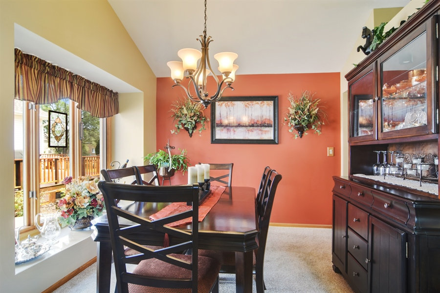 Real Estate Photography - 3614 Killarney Ct, Rolling Meadows, IL, 60008 - Dining Room