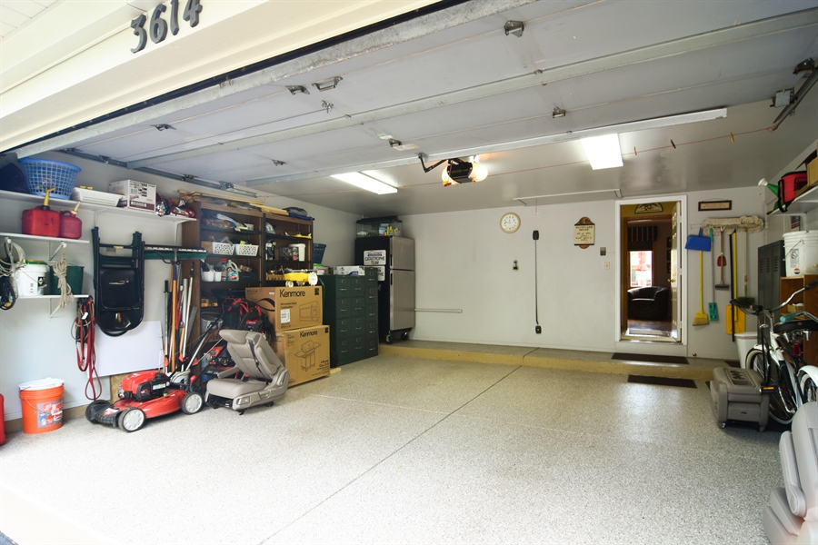 Real Estate Photography - 3614 Killarney Ct, Rolling Meadows, IL, 60008 - Garage