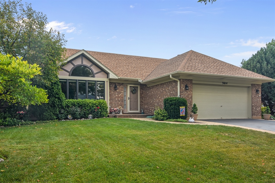 Real Estate Photography - 3614 Killarney Ct, Rolling Meadows, IL, 60008 - Front View
