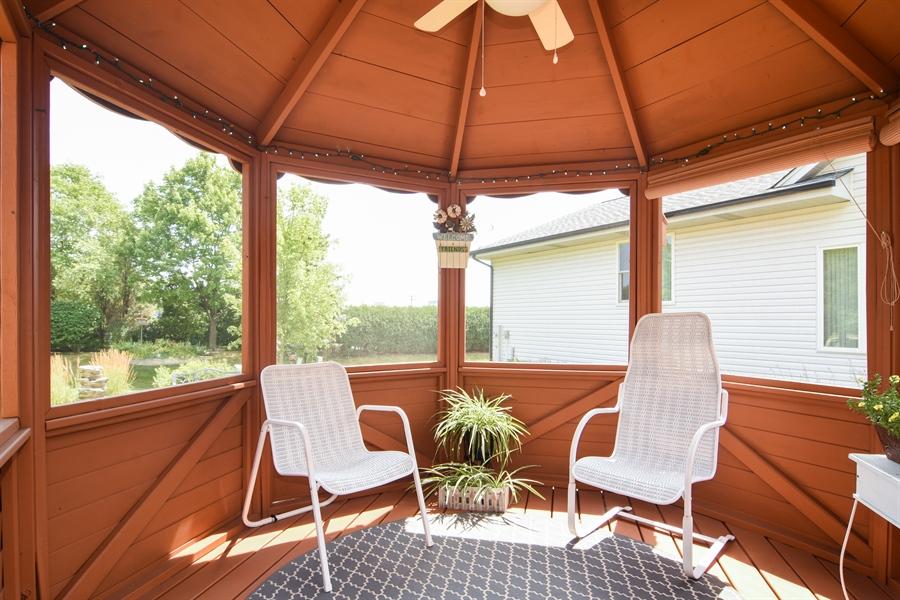 Real Estate Photography - 3614 Killarney Ct, Rolling Meadows, IL, 60008 - Gazebo