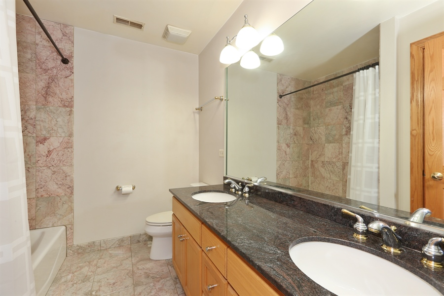 Real Estate Photography - 1204 Richmond Ave., Westmont, IL, 60559 - Full Bathroom 2