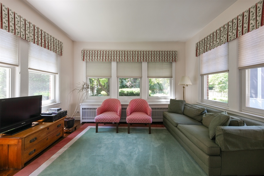 Real Estate Photography - 2306 Lincolnwood Dr, Evanston, IL, 60201 - Family Room