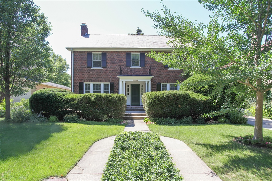 Real Estate Photography - 2306 Lincolnwood Dr, Evanston, IL, 60201 - Front View