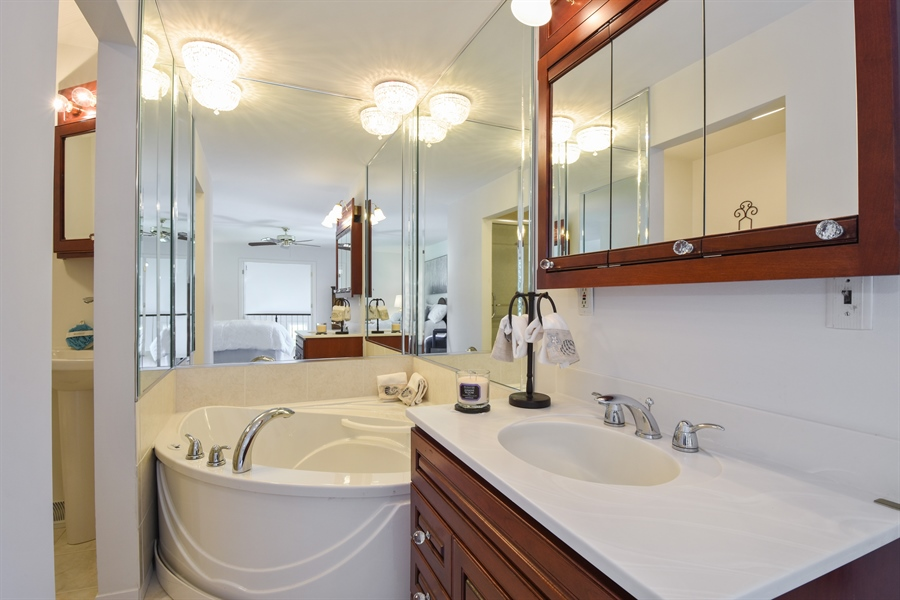 Real Estate Photography - 250 Wyngate, Barrington, IL, 60010 - Master Bathroom