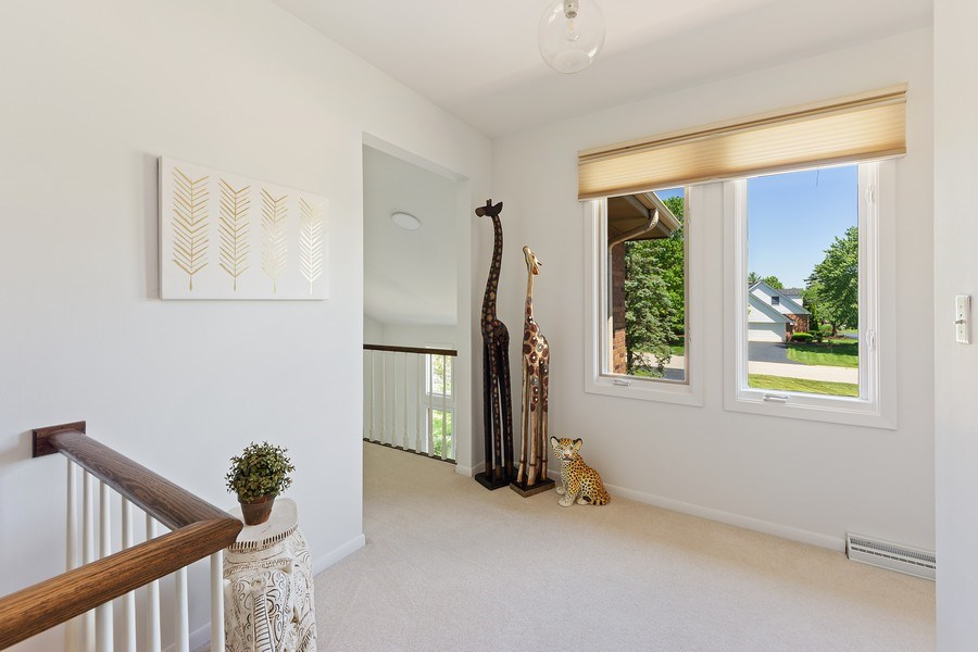 Real Estate Photography - 250 Wyngate, Barrington, IL, 60010 - Sit and Relax in Your 2nd Floor Nook