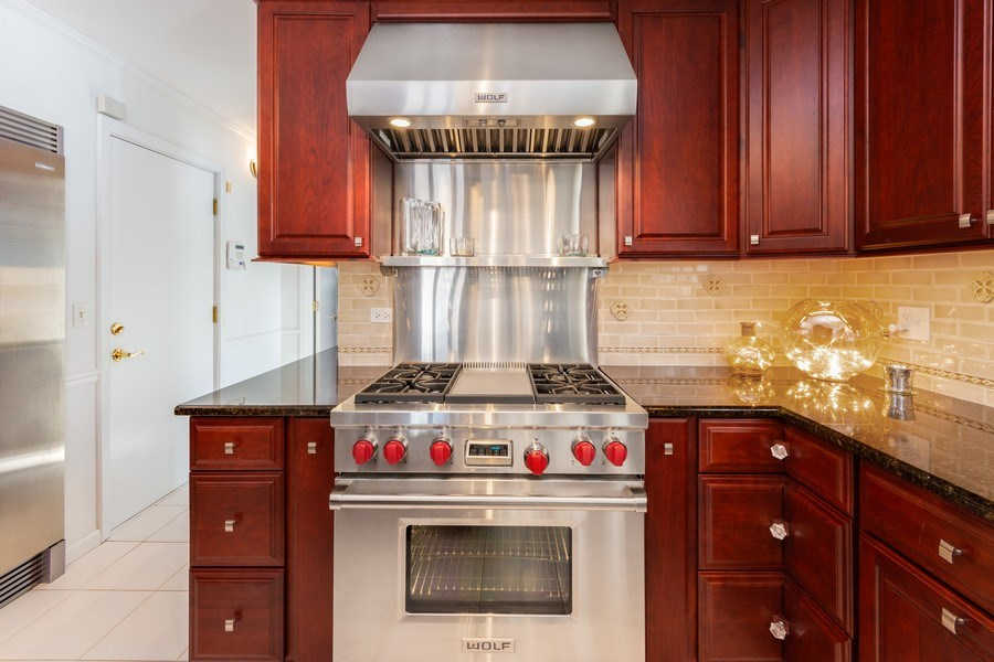 """Real Estate Photography - 250 Wyngate, Barrington, IL, 60010 - Wolf 36"""" Gas & Electric Stove with Griddle"""